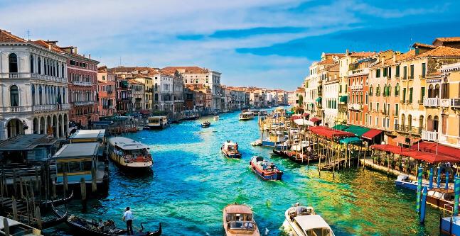 Hyrbil i Venedig